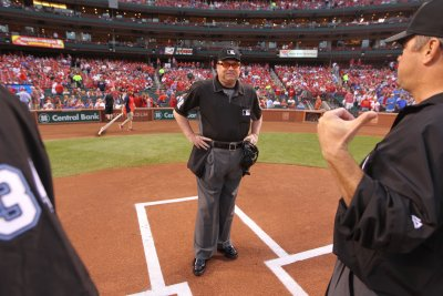 2017 World Series: Gerry Davis to head World Series umpiring crew