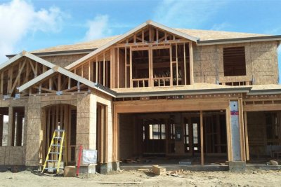 U.S. homebuilder confidence up slightly in May following record plunge