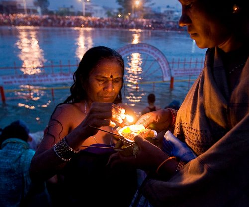 Over 100 bodies found in India's Ganges River