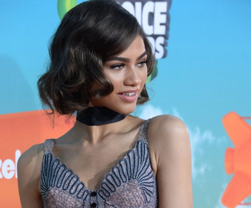 Zendaya, Fifth Harmony, Jennifer Lawrence win Kids' Choice Awards