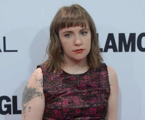 Lena Dunham dismisses fashion criticism: 'I try at a lot of things'
