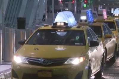 Deportee escapes ICE agents at NYC airport, flees in taxi