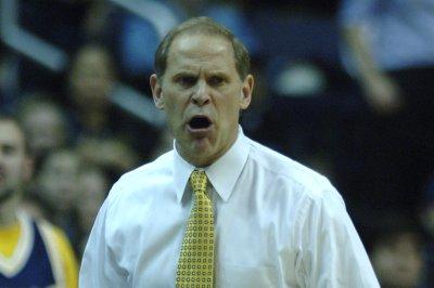 College hoops roundup: Michigan off to best start in school history