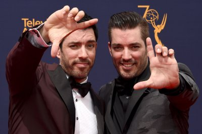 'Celebrity IOU': Brad Pitt, Melissa McCarthy to join Drew, Jonathan Scott in HGTV series