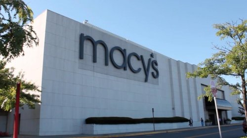 Macy's reports strong profits and anticipates high holiday spending