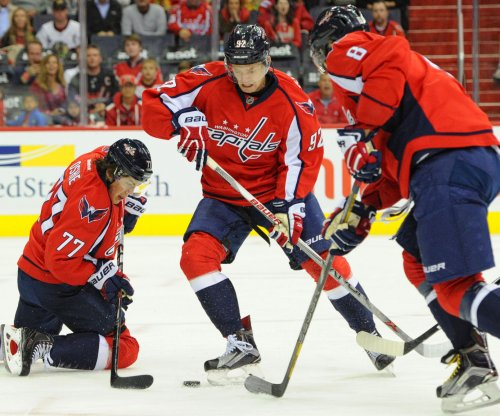 Washington Capitals cruise past Chicago Blackhawks
