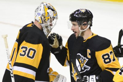Pittsburgh Penguins prepare to face desperate Philadelphia Flyers
