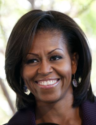 First lady hands out Kid's Choice award