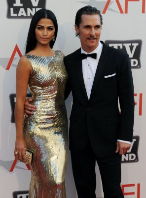 McConaughey and Alves get engaged