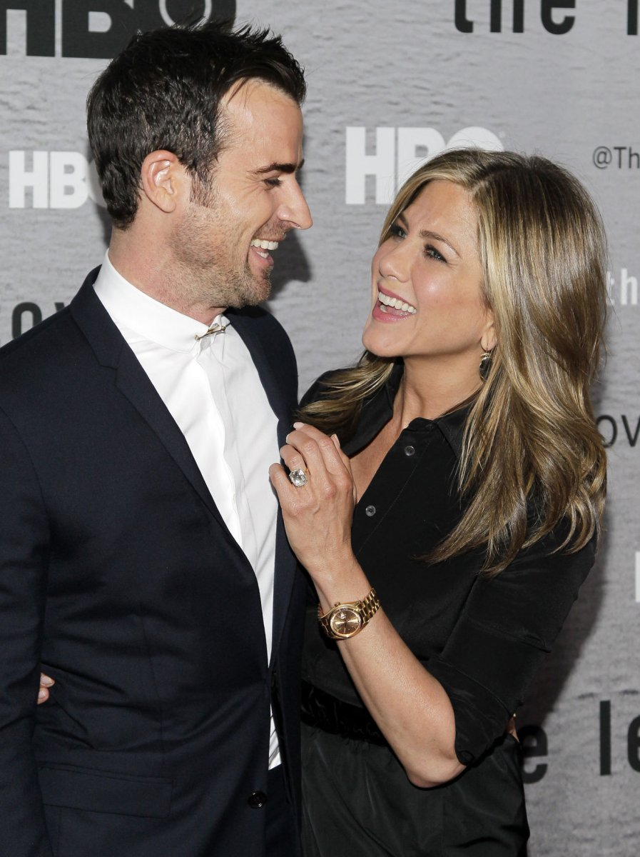Is justin theroux dating jennifer aniston #12