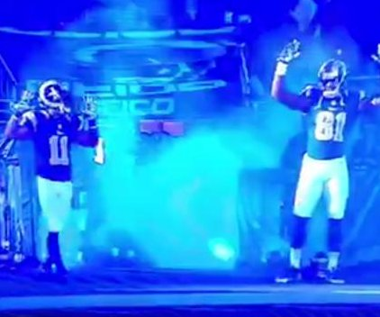 St. Louis Rams players make 'Hands Up, Don't Shoot' gesture in nod to Ferguson unrest