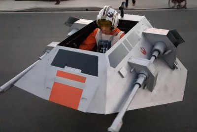 Boy's wheelchair becomes 'Star Wars' snow speeder for Halloween