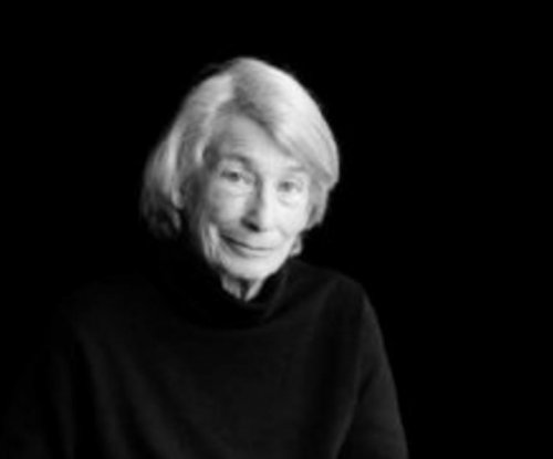 Award-winning poet Mary Oliver dies