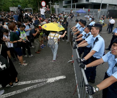2 more Hong Kong leaders apologize for extradition bill