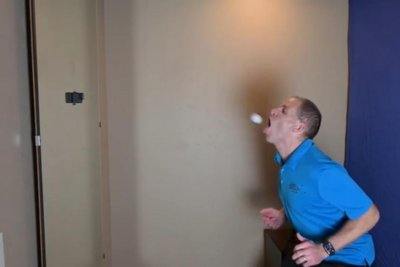 Man uses mouth to bounce table tennis ball off wall for Guinness record