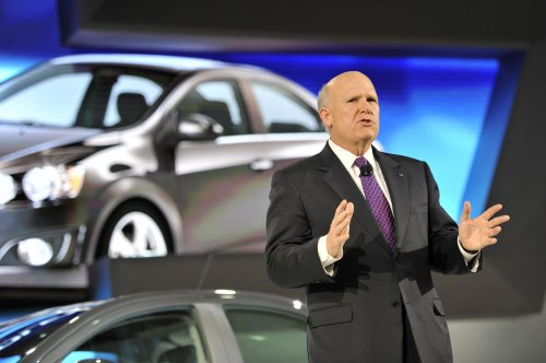 GM's CEO makes a case for gas tax