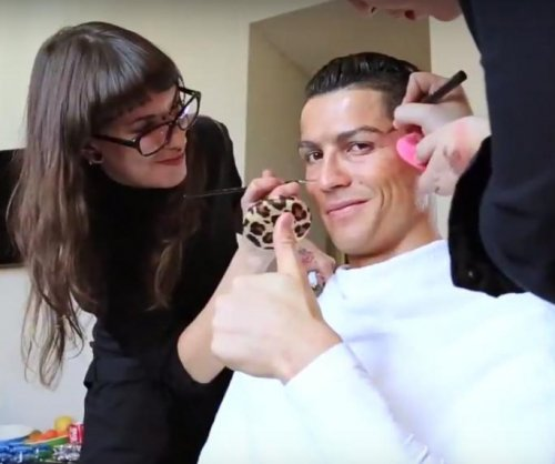 'Homeless' Cristiano Ronaldo schools Madrid locals