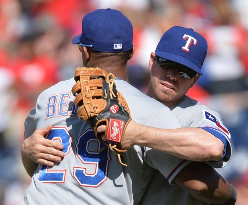 Texas Rangers blank Seattle Mariners, within 2 games of Houston Astros
