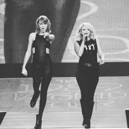 Miranda Lambert joins Taylor Swift onstage for 'Little Red Wagon' duet