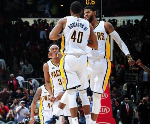 Glenn Robinson's 3-pointer lifts Indiana Pacers over Atlanta Hawks