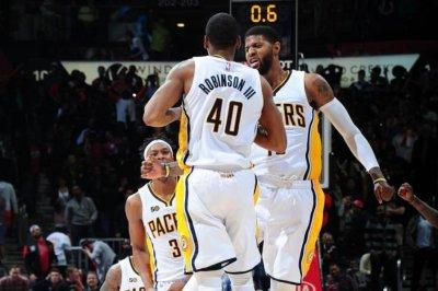 Glenn Robinson's 3-pointer lifts Indiana Pacers over Atlanta Hawks