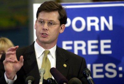 Ex-Rep. Pickering's wife alleges affair