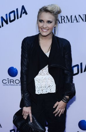 Emily Osment to star in new ABC comedy 'Young and Hungry'