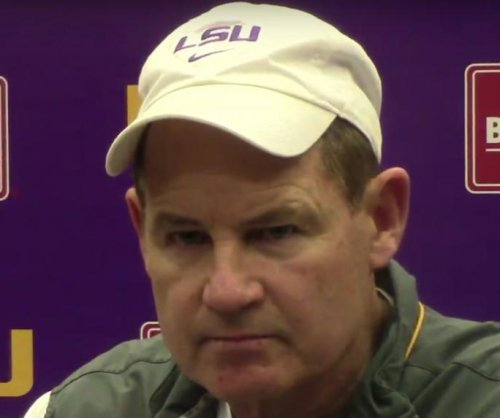 Report: Les Miles coaching for his job