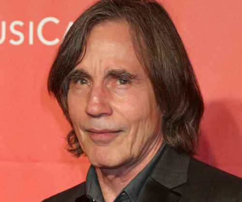Jackson Browne to donate proceeds from N.C. concerts to LGBT groups