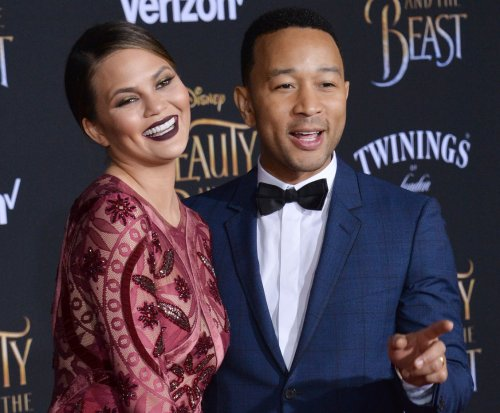 Chrissy Teigen says she has postpartum depression