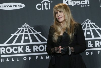 Janet Jackson, Stevie Nicks inducted into the Rock and Roll Hall of Fame