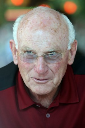 Killebrew says he has esophageal cancer