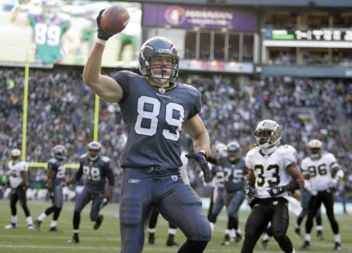 Seahawks lose tight end Carlson to injury