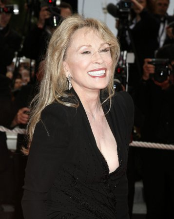 Faye Dunaway to guest star on 'Grey's'