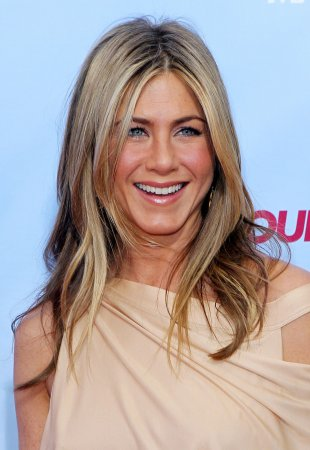 Rep: Aniston and Sudekis not dating