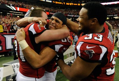 Atlanta tight end Tony Gonzalez to return for 2013
