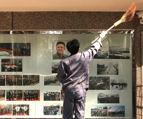 Report: North Korea requiring Chinese residents to idolize Kims