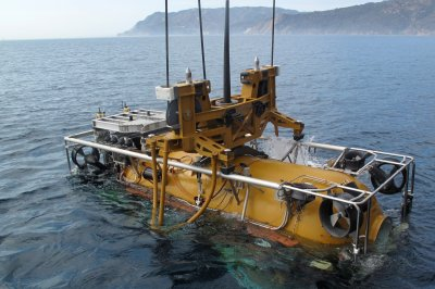 Navy rescue team joins search for missing Argentine submarine
