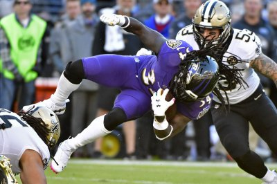 Ravens place RB Alex Collins on IR, activate Kenneth Dixon