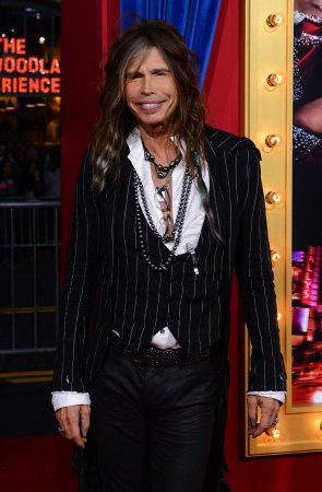 Steven Tyler to judge, perform at Miss Universe pageant