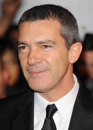 Banderas, Kidman to be Globes presenters