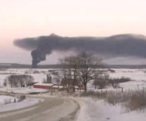 Ill. oil-train derailment involved cars safer than federal standard