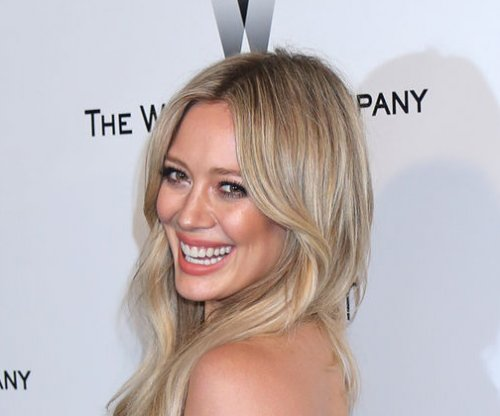 Hilary Duff reportedly dating trainer Jason Walsh