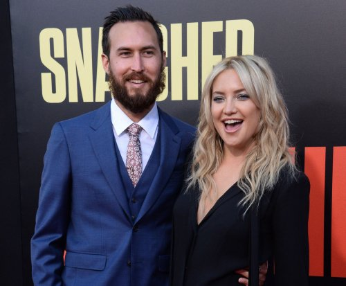 Kate Hudson, Danny Fujikawa make red carpet debut as couple