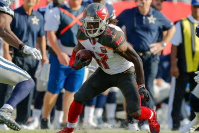 Tampa Bay Buccaneers sign three players, waive receiver