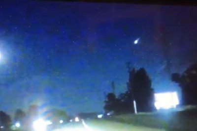 Fireball lights up night sky over North Carolina