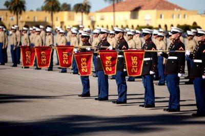 Female Marine recruits arrive for San Diego boot camp