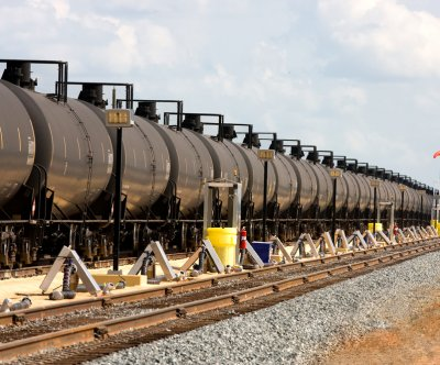 Canadian oil exports by rail fall