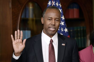 Ben Carson sworn in as HUD secretary