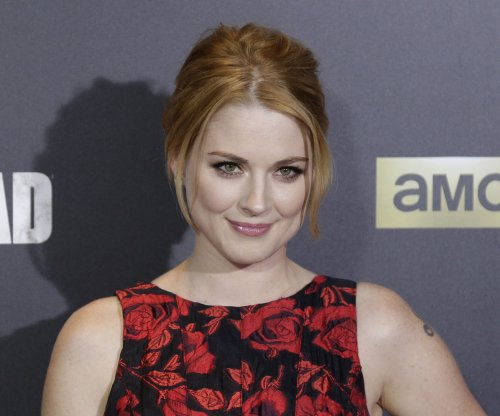 'This is Us' star Alexandra Breckenridge welcomes daughter